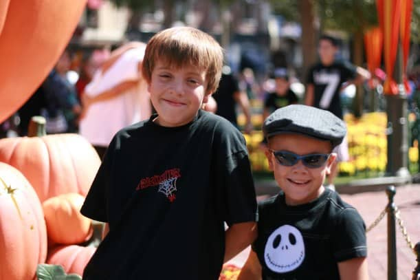 Halloween Time at Disneyland {www.savingupfordisney}