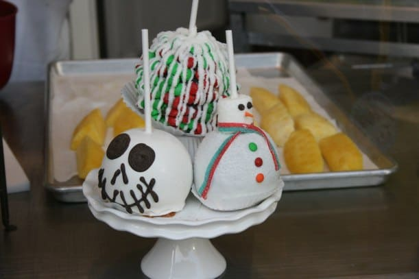 Disney Holiday Desserts & Delights!