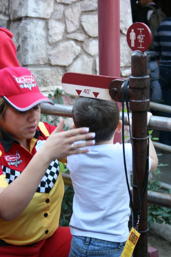 Disneyland height requirements - Does your child measure up?