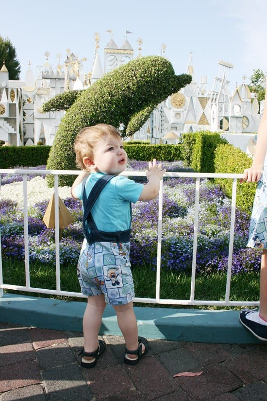Everything you need to know about Disneyland tickets, from discounts, FASTPASS, Annual Passes and where NOT to buy your Disneyland tickets! #Disneyland #Disney #DisneyTickets #DisneyonaBudget #FamilyTravel #TravelwithKids