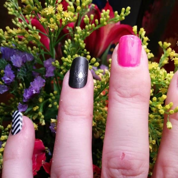 Jamberry Black and White Chevron, Itsy Bitsy and TruShine Gel in Flamingo.