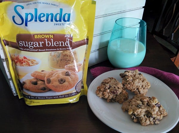 Everything Good Oatmeal Chocolate Chip Cookie Recipe #SplendaHoliday #ad