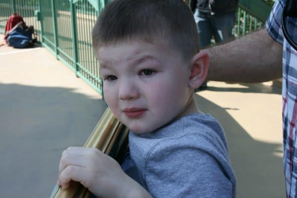 Kids are scared at Disney? Check out these 5 tested tips to help kids who are nervous, anxious or scared at Disney enjoy their vacation.