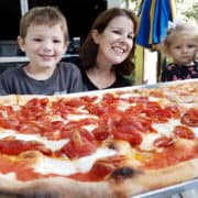 What are the best meals for sharing at Disneyland? These money-saving tips tell you where to dine & what to order!