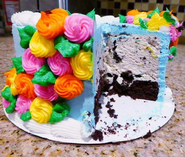 Celebrate Mother's Day with a Baskin-Robbins Ice Cream Cake #ad