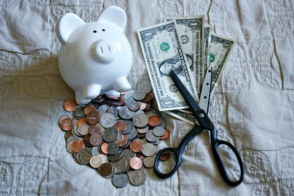 Challenge Yourself to a No Spending Month - 30 Days Without Extra Expenses