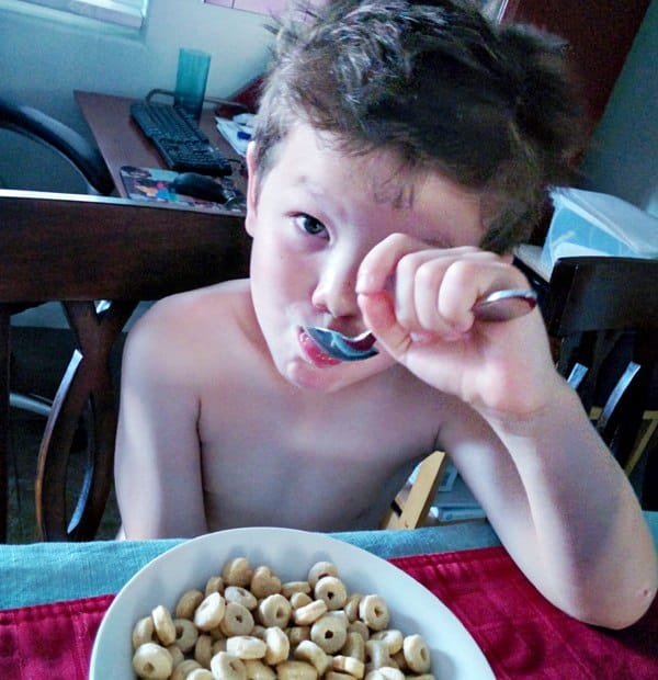 You want healthy breakfast ideas for kids but they have to be quick and cheap! Check out these 13 healthy breakfasts for kids (that you'll want to eat too!) #Breakfast #Kids