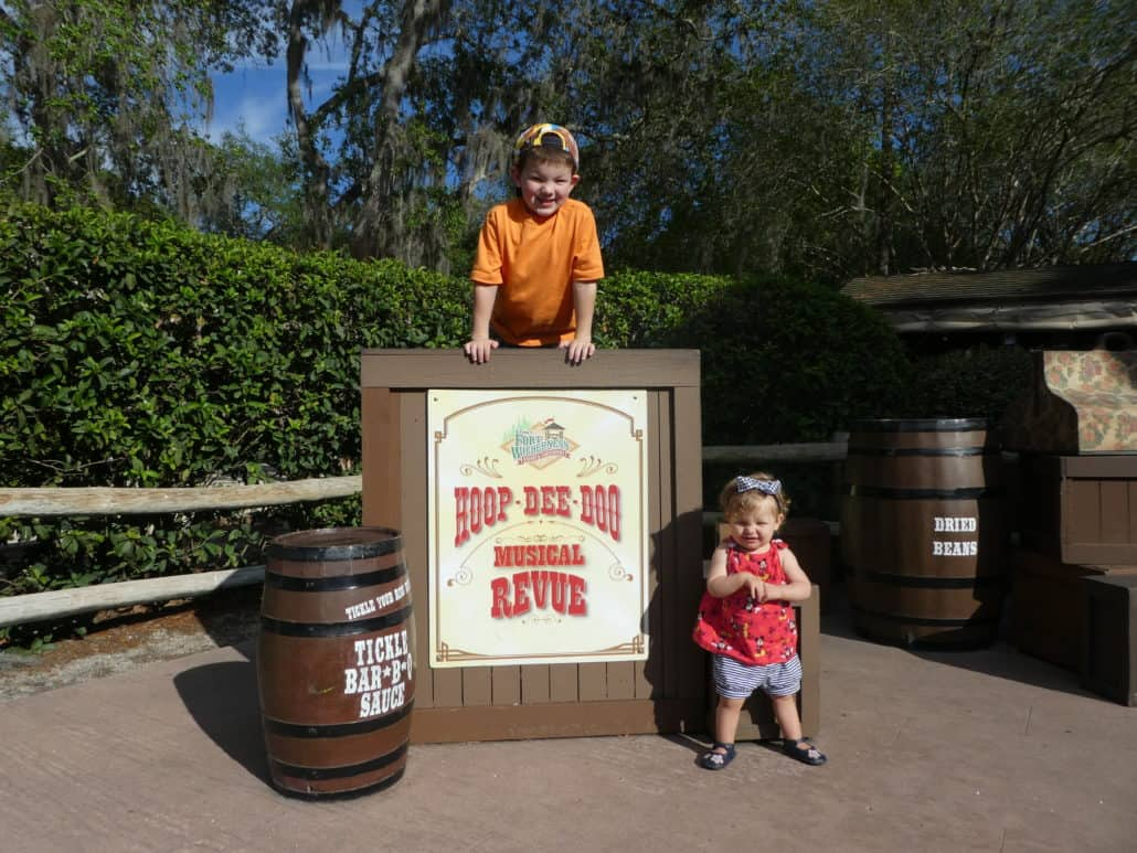Getting Disney World Advanced Dining Reservations doesn't have to be impossible. Here are tons of insider tips for getting the ADR for the meals at Disney World you really want to eat! #DisneyWorld