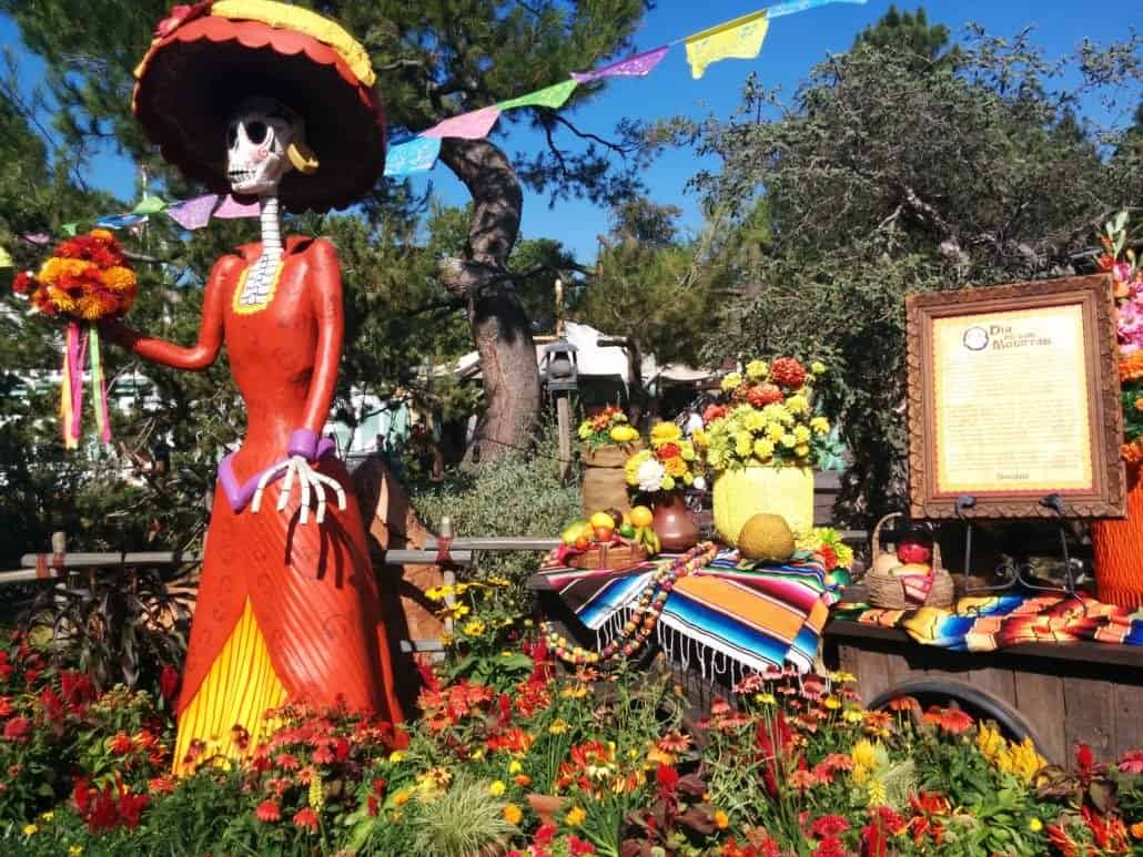 Find out all the details on Halloween at Disneyland, including what rides and attractions have Halloween overlay, fall foods, decor, Dia de Los Muertos and Mickey's Halloween Party!