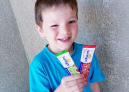 SunRype back to school snacks make eating fruits and veggies on the go easy and delicious with their 100% fruit snacks that are preservative and gluten free