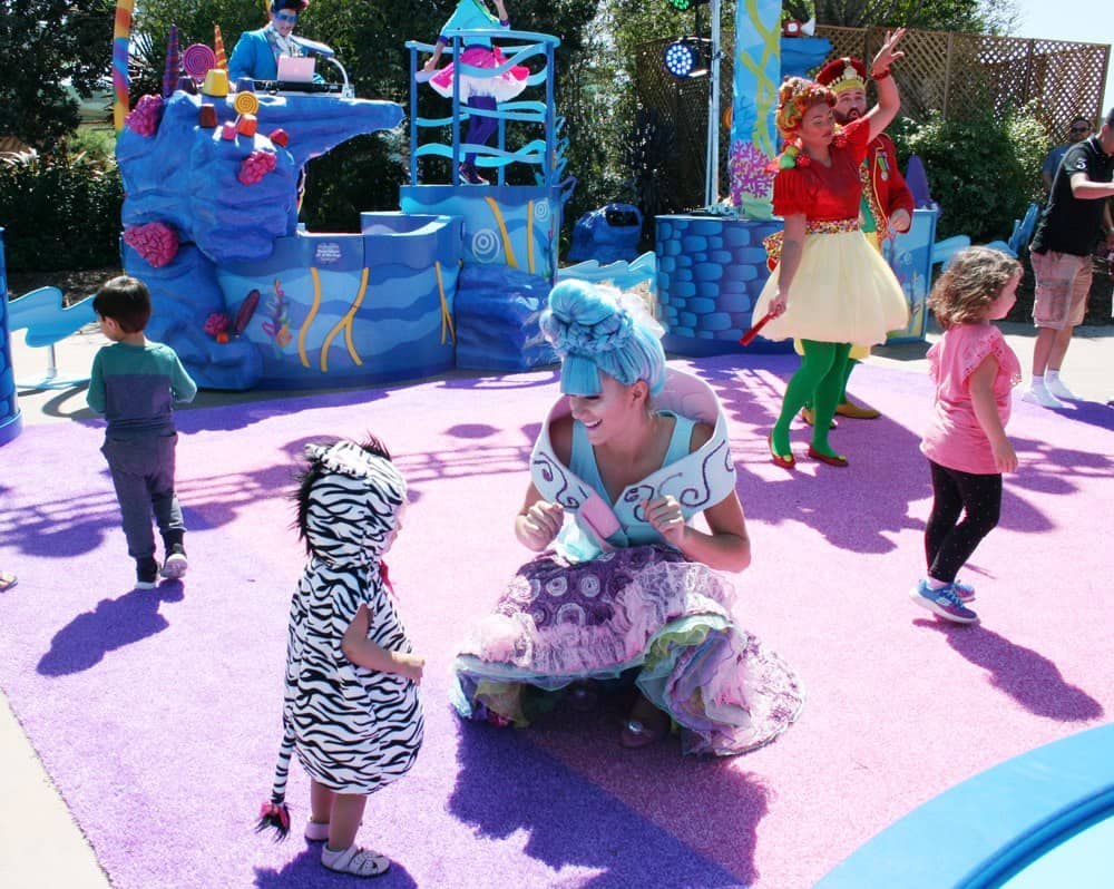 SeaWorld San Diego Halloween Spooktacular offers family fun including trick or treating and Halloween activities!