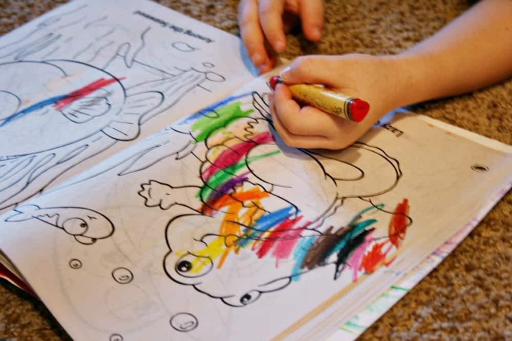 Looking for fun ways to encourage creativity in kids? These 7 ideas allow for freedom of expression in inexpensive and easy ways!