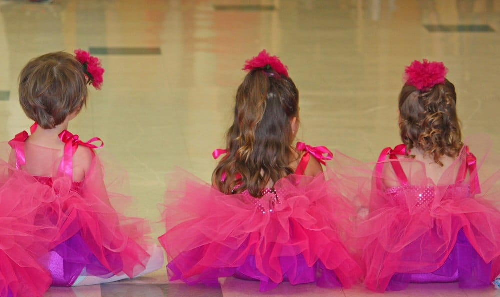 Thinking about first dance lessons for your kid? An expert dance teachers shares her tips on what to expect of a first dance lesson, how to choose a studio, what to wear & prepping your dancer!