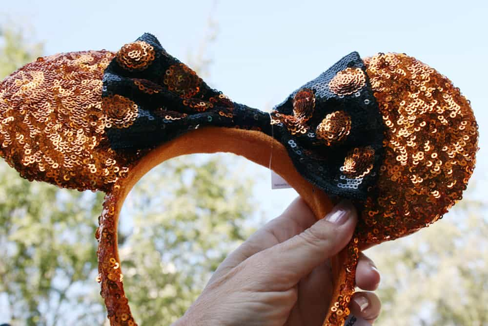 Planning a vacation for Halloween at Disneyland with kids? This is the ULTIMATE fall guide with all the most helpful tips on what to see, fall treats, favorite characters dressed up for autumn, limited-time seasonal ride overlays and special events just for Halloween Time!