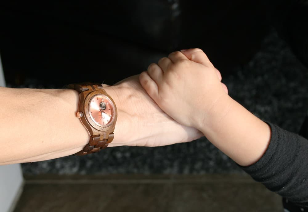 Busy moms are always looking for more time. Find out more about this stylish wood watch timepiece & why everyone should own a watch (even if you already check the time on your phone!)